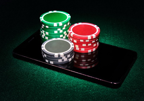 Pokeris online internetu
