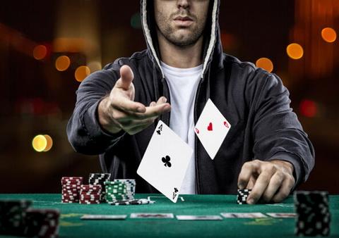 Agresyvus pokerio žaidimas