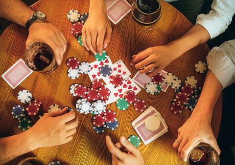 Trys Pokerio Ginklai