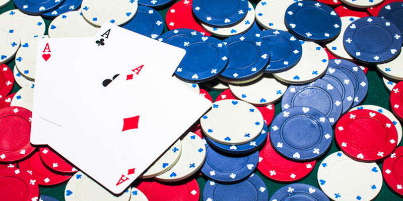 Spalva nurodo. kokia yra pokerio žetonų vertė