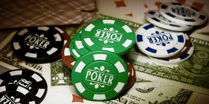 Žetonai, kortos, pinigai - pokeris online internetu iš tikrų pinigų Lietuvoje
